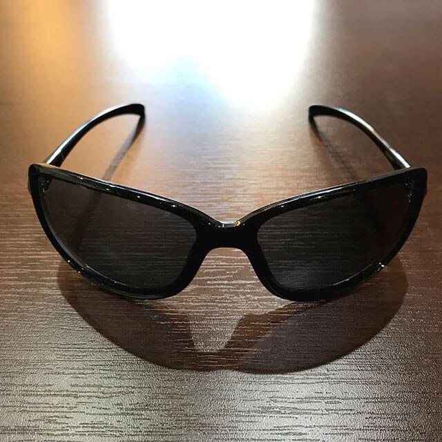大阪梅田のお客様からオークリーのサングラス【COHORT(コホート)】を買取_03