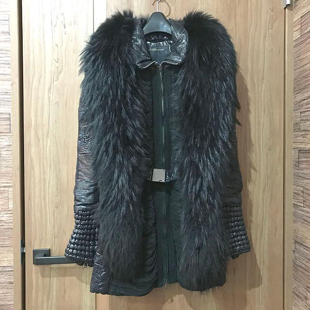 天王寺のお客様からロベルトカヴァリのコートを買取_01