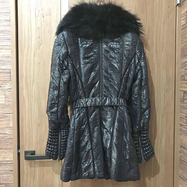 天王寺のお客様からロベルトカヴァリのコートを買取_02