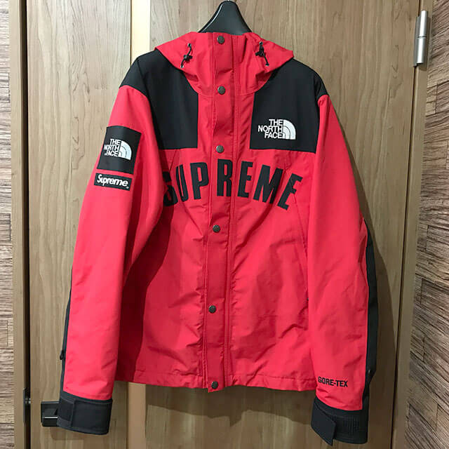 多治見のお客様からSupreme×THE NORTH FACEの【19ss Arc Logo Mountain Parka】を買取_01