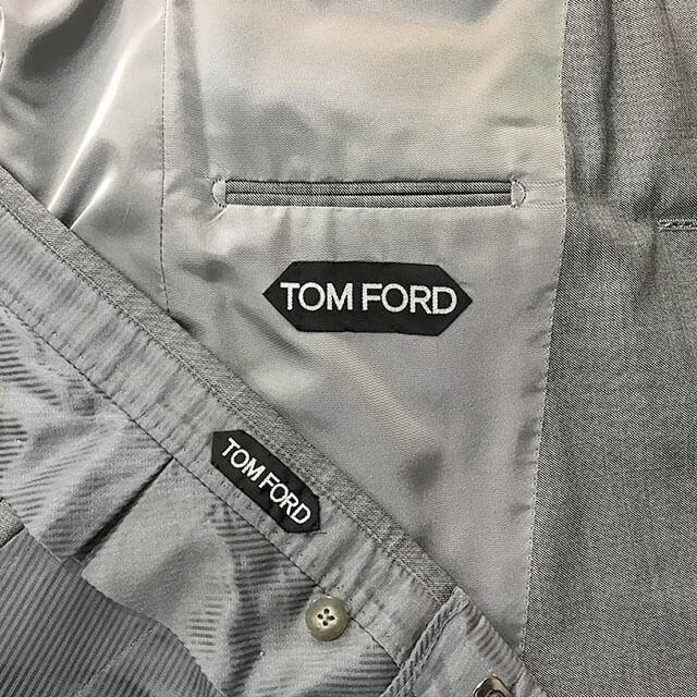 大阪梅田のお客様からトムフォードのスーツを買取_04
