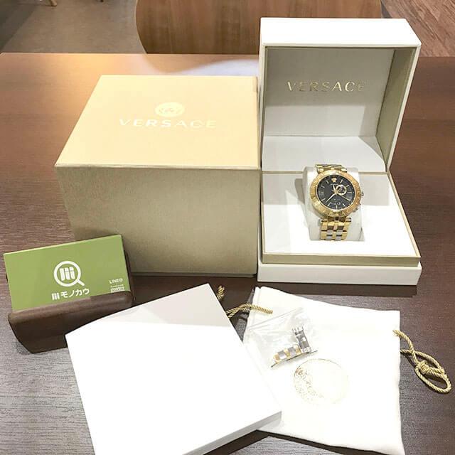 寝屋川のお客様からヴェルサーチの腕時計【29G Vレース】を買取_01