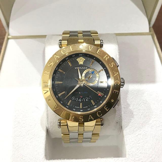 寝屋川のお客様からヴェルサーチの腕時計【29G Vレース】を買取_02