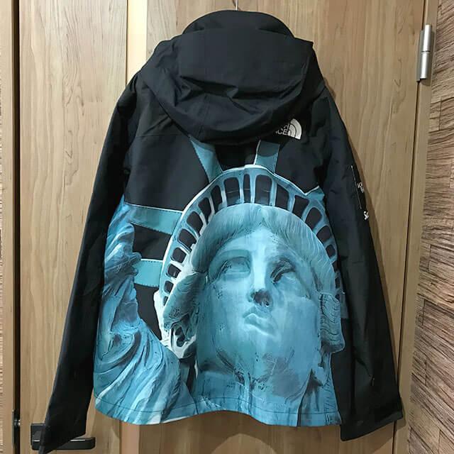 多治見のお客様からシュプリーム×ノースフェイス【Statue of Liberty Mountain Jacket】を買取_02