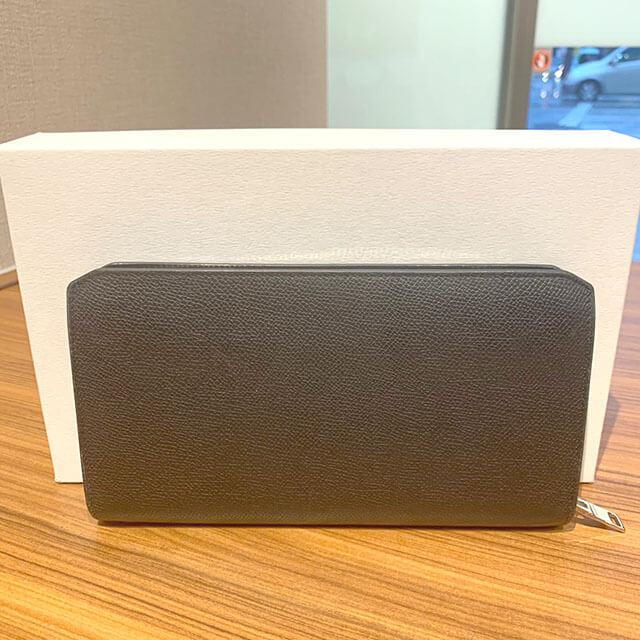 岸和田のお客様からバレンシアガのラウンドファスナー長財布を買取_02