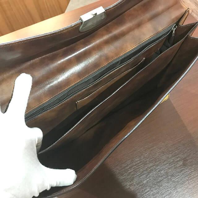 豊中のお客様からベルルッティのブリーフケースを買取_04