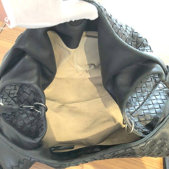 三田のお客様からボッテガヴェネタのショルダーバッグを買取_04