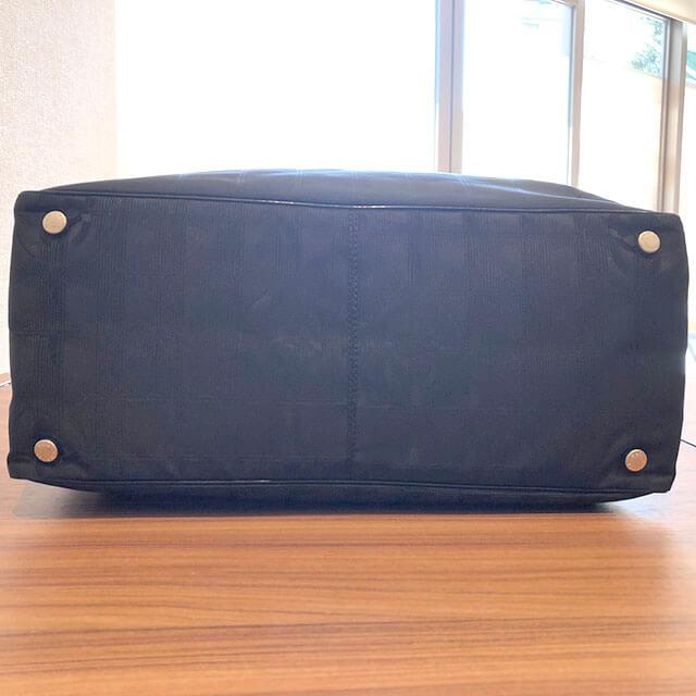 堺のお客様からシャネルの【ニュートラベルライン】のトートバッグを買取_03