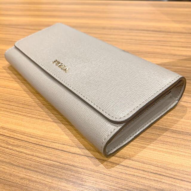 奈良のお客様からフルラの財布を買取_03