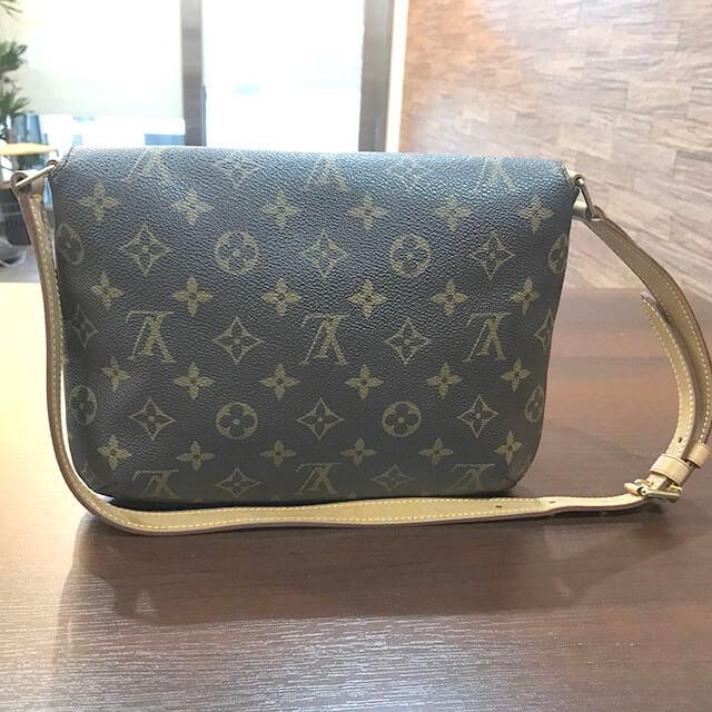 交野のお客様からヴィトンのバッグ【ミュゼットタンゴ】を買取_02