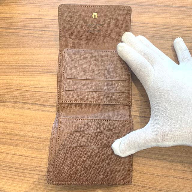 モノカウ緑橋店にて東成区のお客様からヴィトンのWホック財布を買取_04