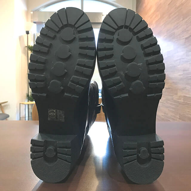 吹田のお客様からモンクレールのロングブーツを買取_03