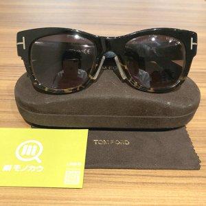 大阪のお客様からトムフォードのサングラス【Cary】を買取