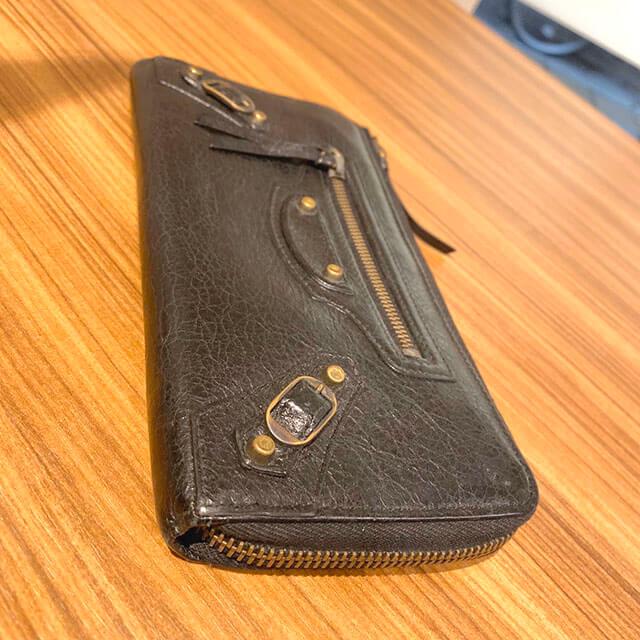天下茶屋のお客様からバレンシアガの長財布を買取_04