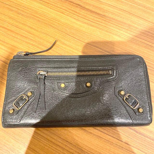 天下茶屋のお客様からバレンシアガの長財布を買取_02