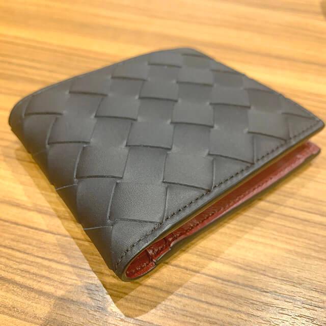 枚方のお客様から【ボッテガヴェネタ】の二つ折り財布を買取_03