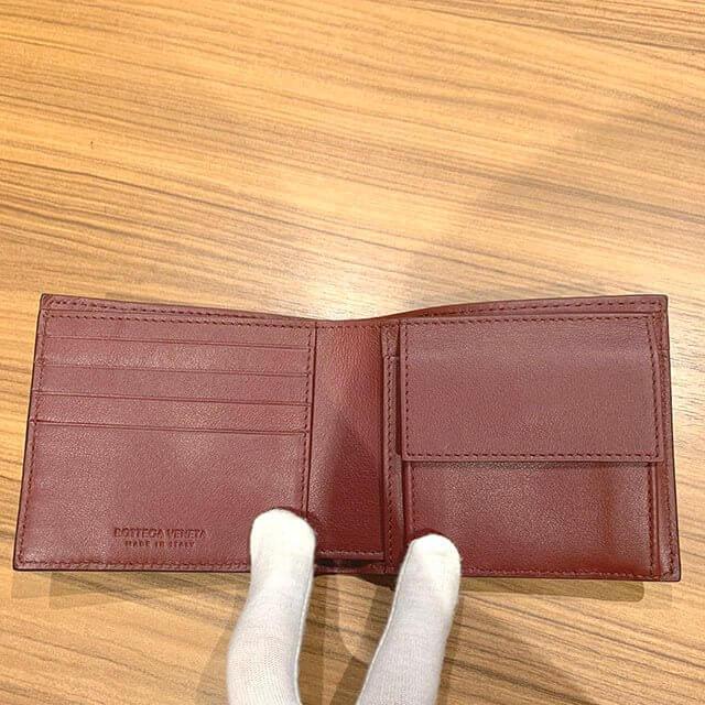 枚方のお客様から【ボッテガヴェネタ】の二つ折り財布を買取_04