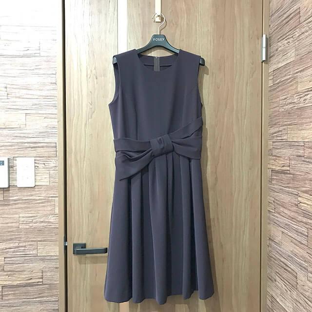 大阪のお客様からFOXEY NEW YORKの【レディシェイプ ノースリーブドレス】を買取_01