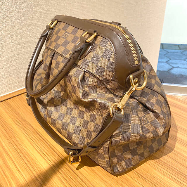 天下茶屋のお客様からヴィトンのバッグ【トレヴィGM】を買取_02