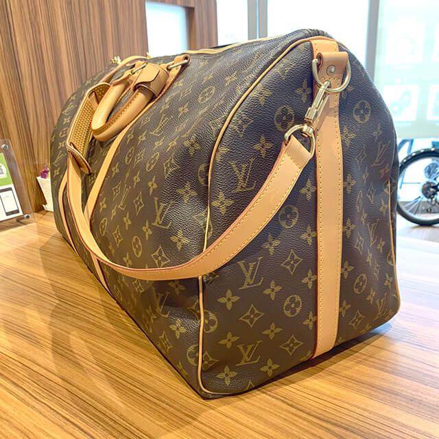 岸里のお客様からヴィトンのボストンバッグ【キーポル・バンドリエール55】を買取_02