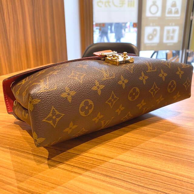 那覇のお客様からヴィトンのモノグラムのバッグ【パラス チェーン】を買取_03
