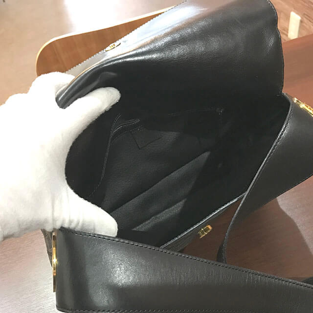 枚方のお客様からセリーヌの【マカダム柄】ショルダーバッグを買取_04