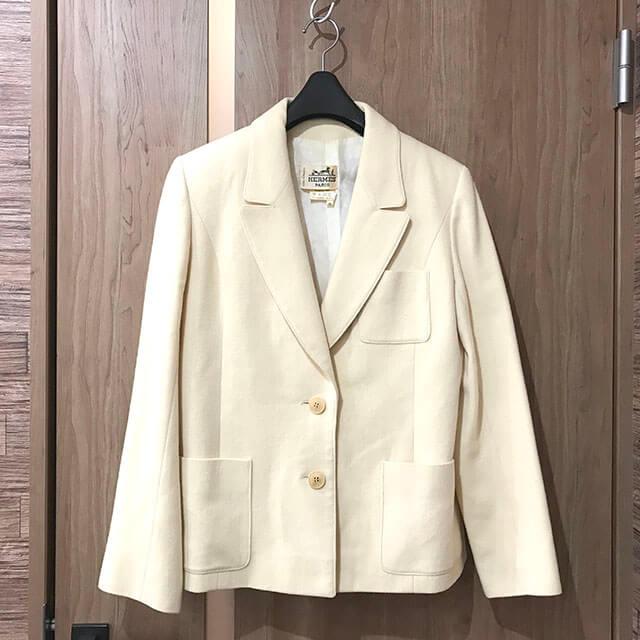 玉造のお客様からエルメスの洋服を買取_01