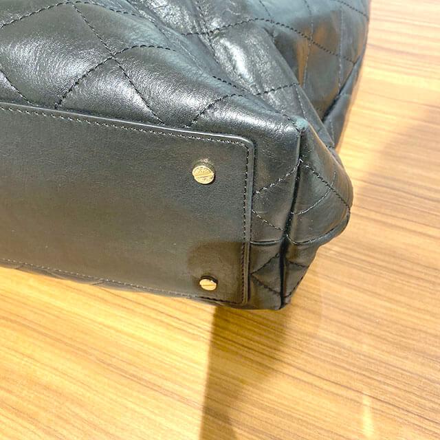 田園調布のお客様からトリーバーチのレザーハンドバッグを買取_04