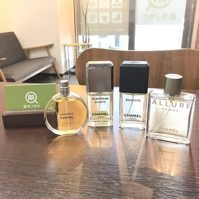 モノカウ緑橋店にて大阪のお客様からシャネルの香水セットを買取_01
