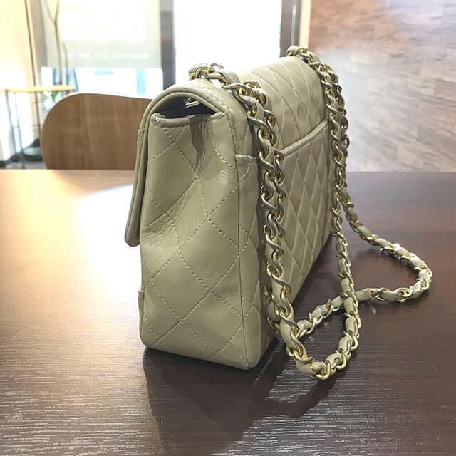 大阪のお客様からシャネルの【マトラッセ】チェーンショルダーバッグを買取_02