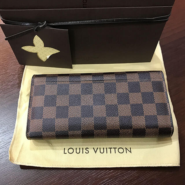 関目のお客様からヴィトンのダミエの長財布【ポルトフォイユ・サラ】を買取_02