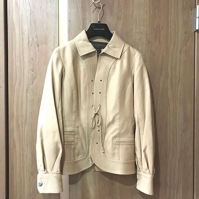 東成のお客様からヴィトンのジャケットを買取_01
