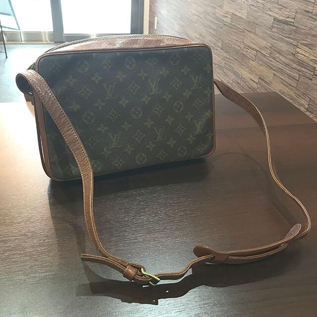 北巽のお客様からヴィトンのバッグ【サックバンドリエール】を買取_02