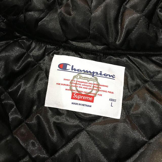 モノカウ心斎橋店にてシュプリーム×チャンピオンの【18AW Hooded Satin Varsity Jacket】を買取_03