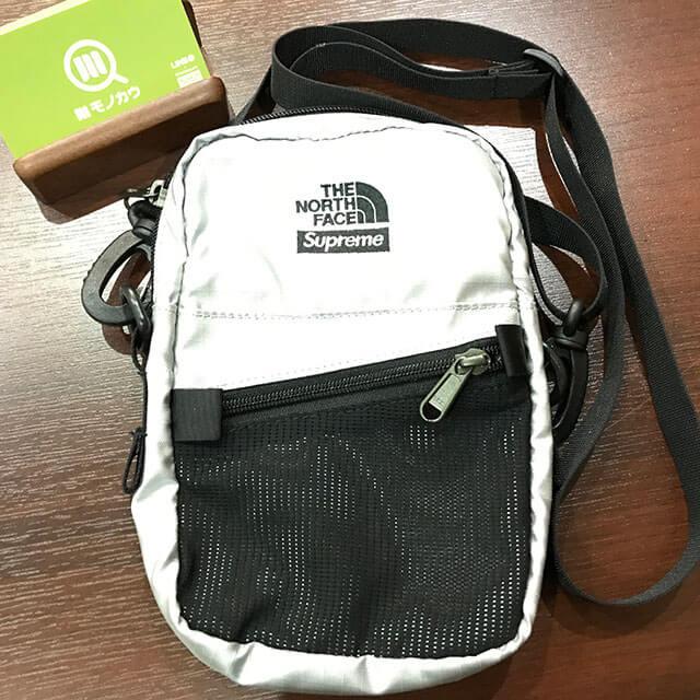 大東のお客様からシュプリーム×ノースフェイスの【18SS Metallic Shoulder Bag】を買取_01
