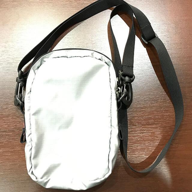 大東のお客様からシュプリーム×ノースフェイスの【18SS Metallic Shoulder Bag】を買取_02
