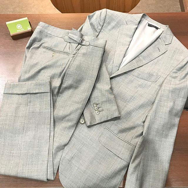 天王寺のお客様からトムフォードの【オコナー スーツ】を買取_01