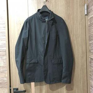 モノカウ心斎橋店にてHERNO Laminar(ヘルノ ラミナー)の【GORE-TEX】ジャケットを買取