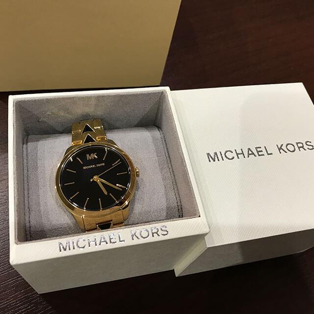 枚方のお客様からマイケルコースの腕時計【RUNWAY(ランウェイ) 】を買取_03