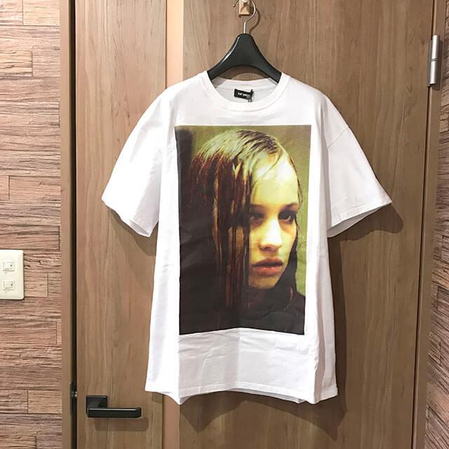 モノカウ心斎橋店にてラフシモンズの映画『クリスチーネF』の【Christiane F Wet Hair Tシャツ】を買取_01