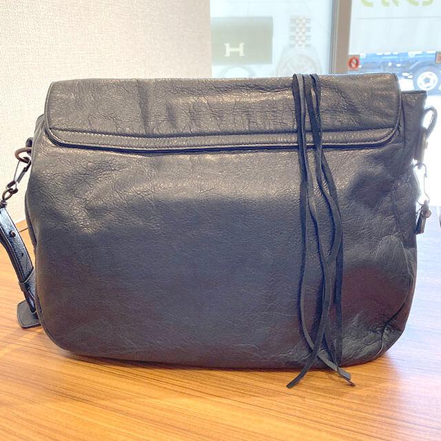 東花園のお客様からバレンシアガのバッグ【ザ・フォルク】を買取_02