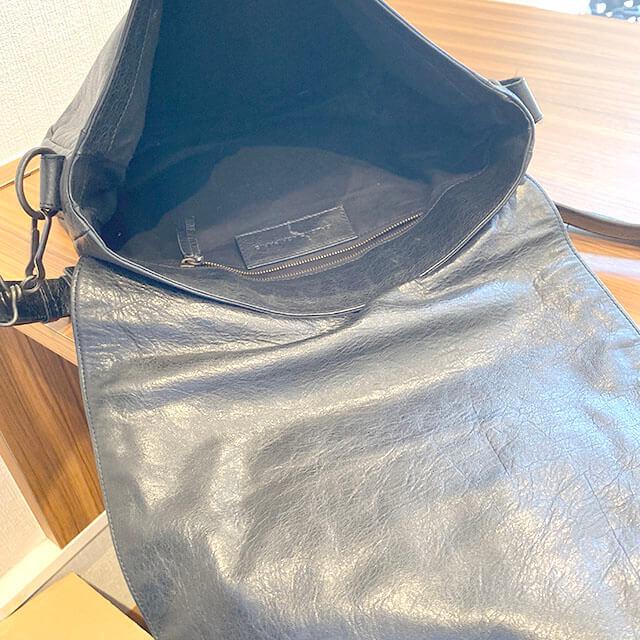 東花園のお客様からバレンシアガのバッグ【ザ・フォルク】を買取_03