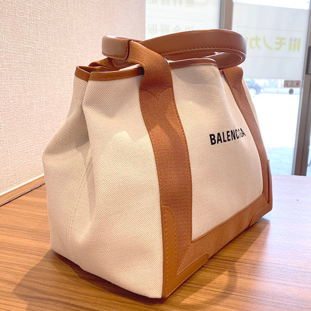 熊本のお客様からバレンシアガのバッグ【ネイビーカバス S】を買取_02