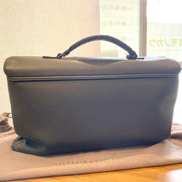 東大阪のお客様からボッテガヴェネタのブリーフケースを買取_03