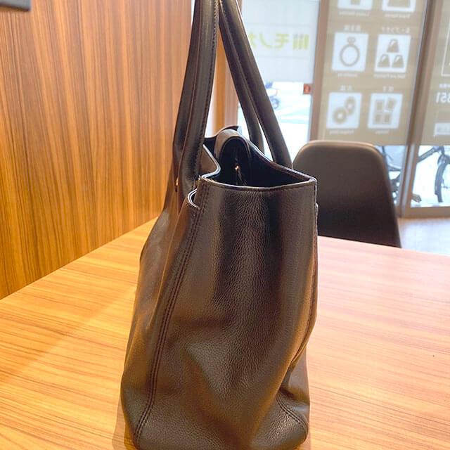 大阪のお客様からシャネルの【エグゼクティブ】トートバッグを買取_02