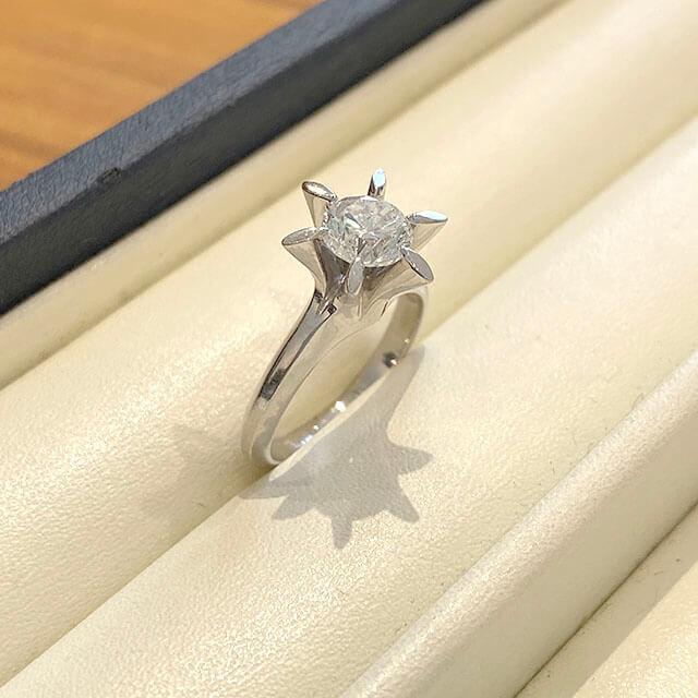 深江橋のお客様から1カラットの【鑑定書なし】のダイヤモンドの指輪を買取_02
