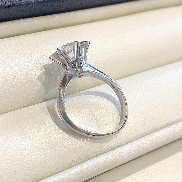 深江橋のお客様から1カラットの【鑑定書なし】のダイヤモンドの指輪を買取_03
