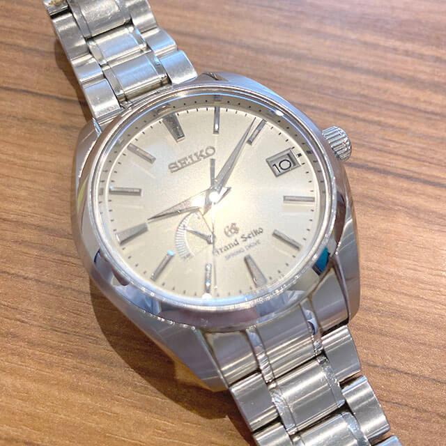 大阪のお客様からグランドセイコーの腕時計【スプリングドライブ】を買取_02
