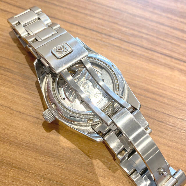 大阪のお客様からグランドセイコーの腕時計【スプリングドライブ】を買取_04