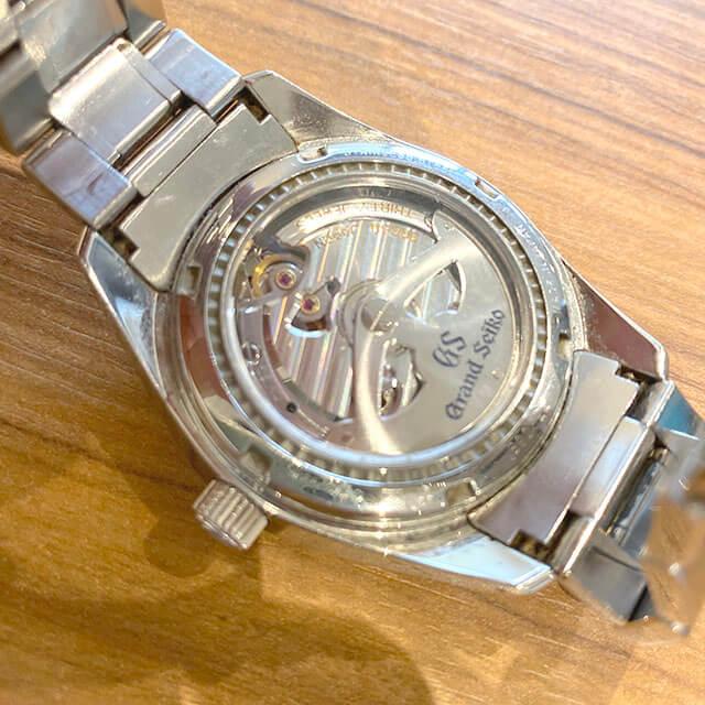 大阪のお客様からグランドセイコーの腕時計【スプリングドライブ】を買取_03